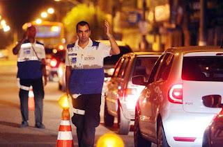 http://vnoticia.com.br/noticia/3423-homem-preso-com-droga-na-praca-sao-francisco-de-paula-no-centro-de-sfi