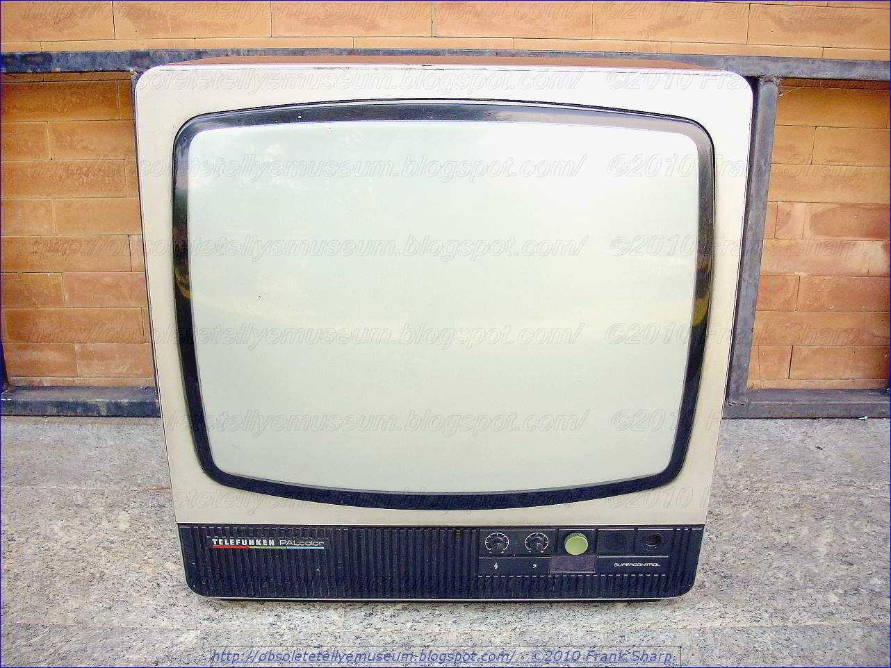 Obsolete Technology Tellye !: TELEFUNKEN PALCOLOR 6868 YEAR