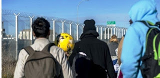 اخبار العالم : فرنسا تشدد الرقابة على 13 ميناءً على حدودها للحد من المهاجرين
