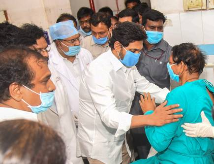 Collector brought injured to hospital, watched action