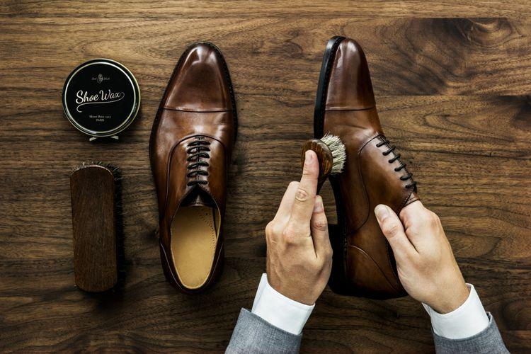 Ilustrasi sepatu kulit asli