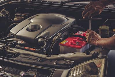 5 Langkah Cara Mengganti Aki Mobil