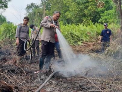 Kapolda Riau Akan Berikan Pin Emas Bagi Jajarannya dan Masyarakat yang Mampu Menekan Karhutla
