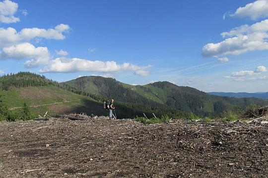 Na przełęczy przed Vrbovicą ponad Bacúšską doliną.
