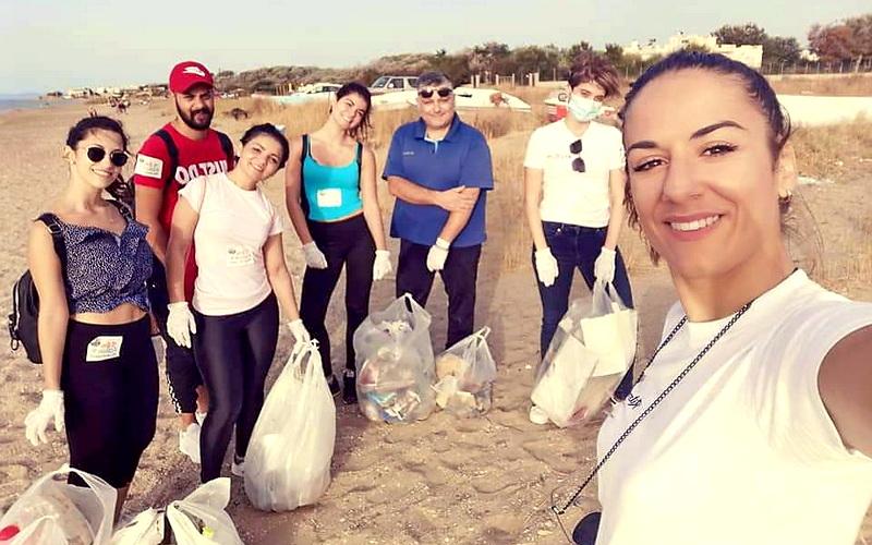 Εθελοντές καθάρισαν τις ακτές της Αλεξανδρούπολης