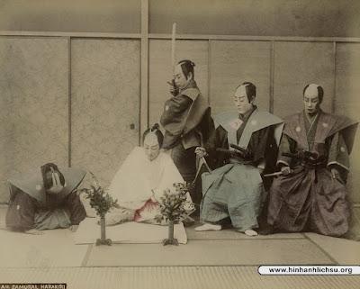Nghi thức mổ bụng tự sát Seppuku của Samurai Nhật Bản