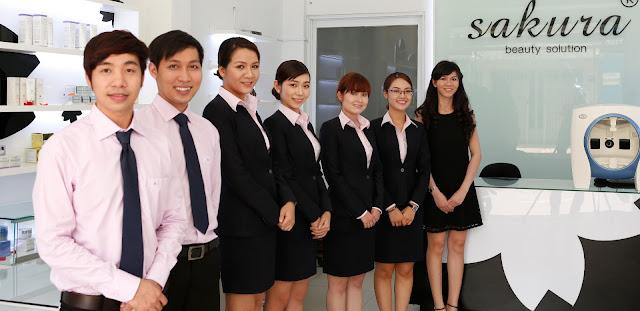 Đội ngũ nhân viên Công ty Mỹ Phẩm Hoa Anh Đào
