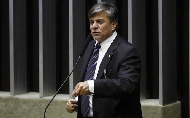 Deputado Federal Boca Aberta se apresenta para cumprir pena no Paraná