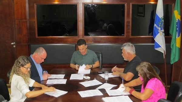 Três convênios com a Caixa para realização de obras em São Pedro da Aldeia foram assinados