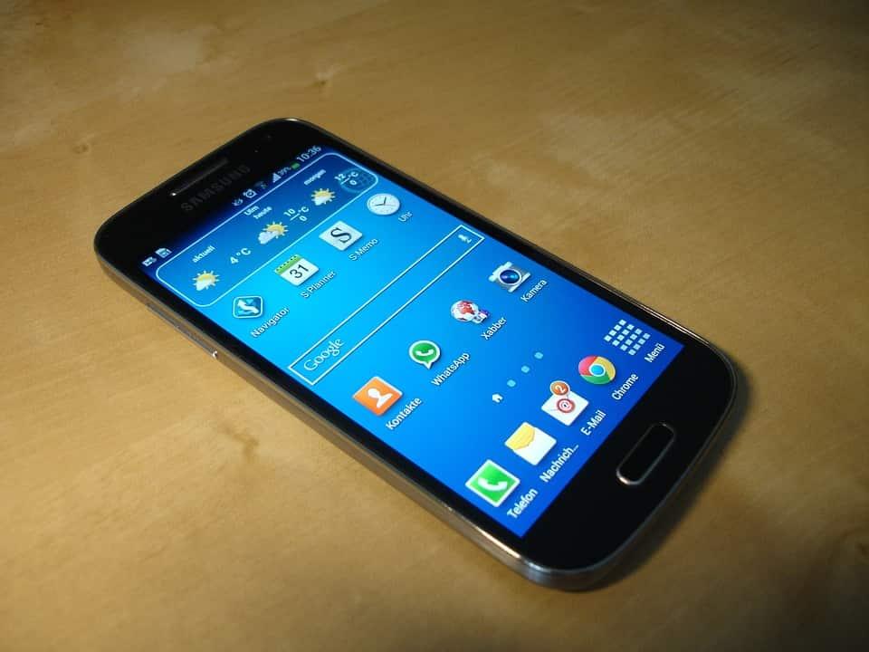 cara screenshot layar smartphone samsung