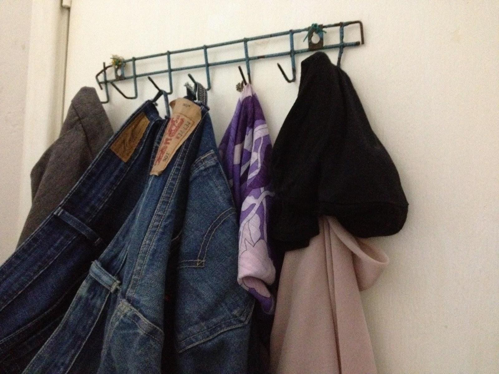Idea Gantung Baju Yang Nak Pakai Semula