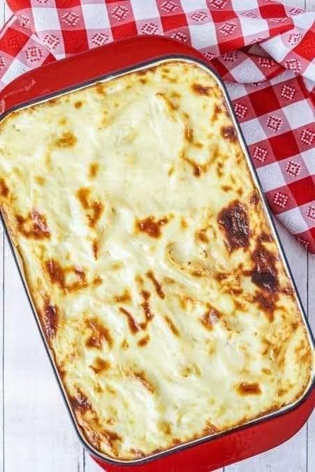 مكرونة بالبشاميل والجبن