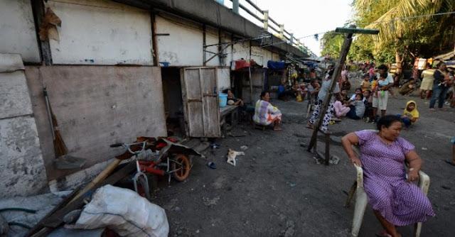 Menohok! HNW Sindir Risma Belum Pernah Blusukan Temui Warga di Kolong Tol Surabaya