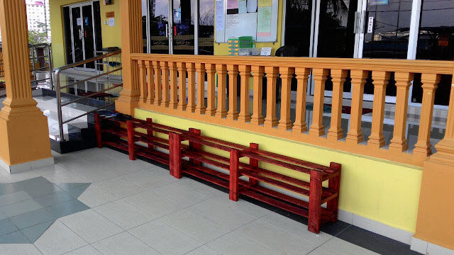 Rak kasut / selipar untuk kemudahan para jemaah yang hadir