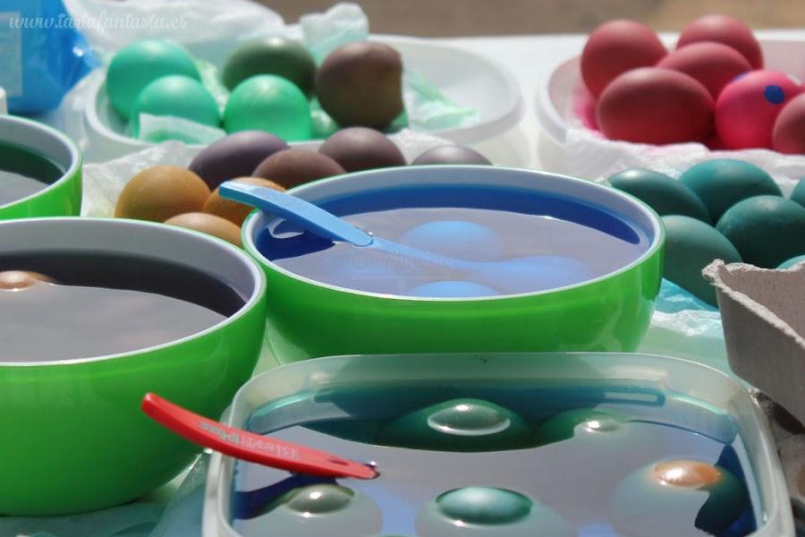cómo colorear huevos