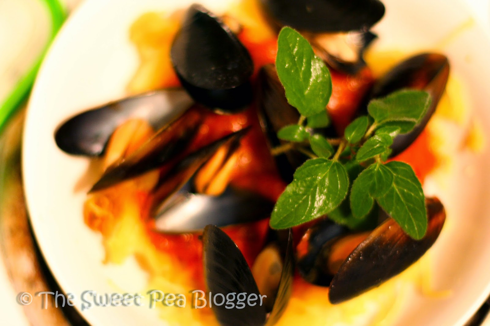 Spaghetti Squash with Mussels and Marinara