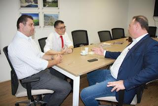 Prefeito Gilson Fantin cobra solução da Secretaria de Turismo para obra da Praça dos Expedicionários