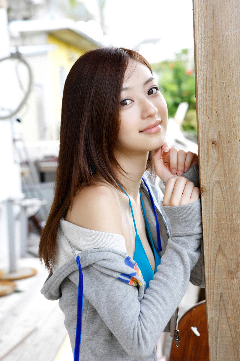 kanomatakeisuke: Rina Aizawa | Cute Japanese Teen in Bikini