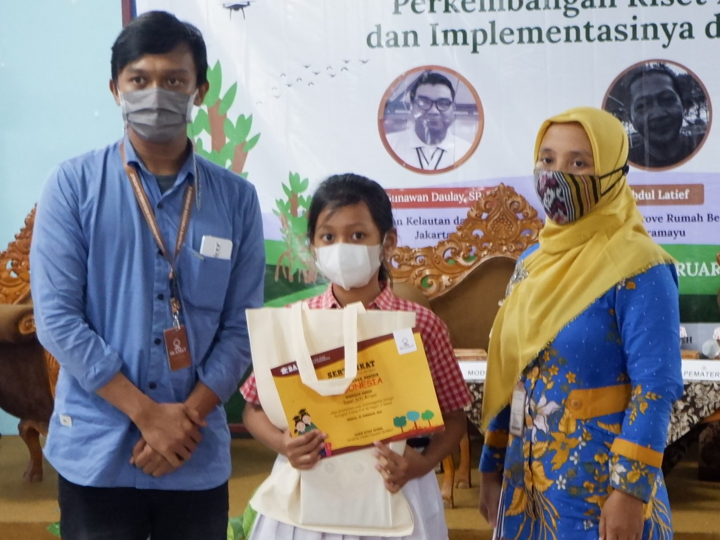 IKAMaT Serahkan Beasiswa BAPI untuk Pelajar Jepara
