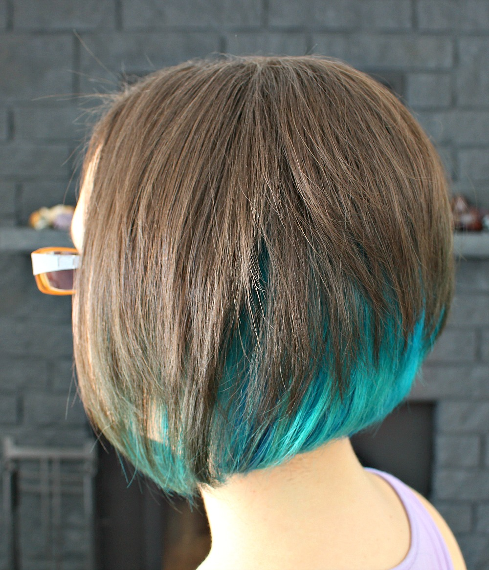 Short Cut with Bright Aqua Underneath // Mermaid Hair Short