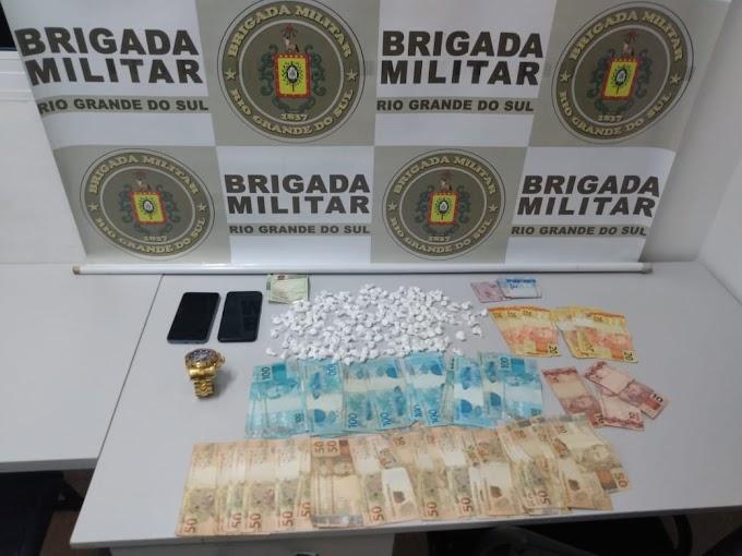Homem é preso com 182 buchas de cocaína em Gravataí