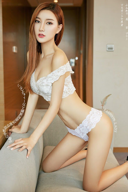 Hot and sexy photos of beautiful asian hottie chick Chinese booty model Ji Meng photo highlights on Pinays Finest sexy nude photo collection site.