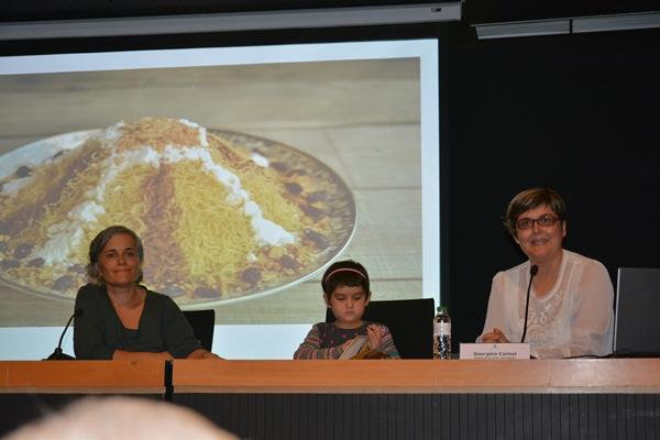 La directora de l'Oficina de Català de Lloret, la Salma i jo
