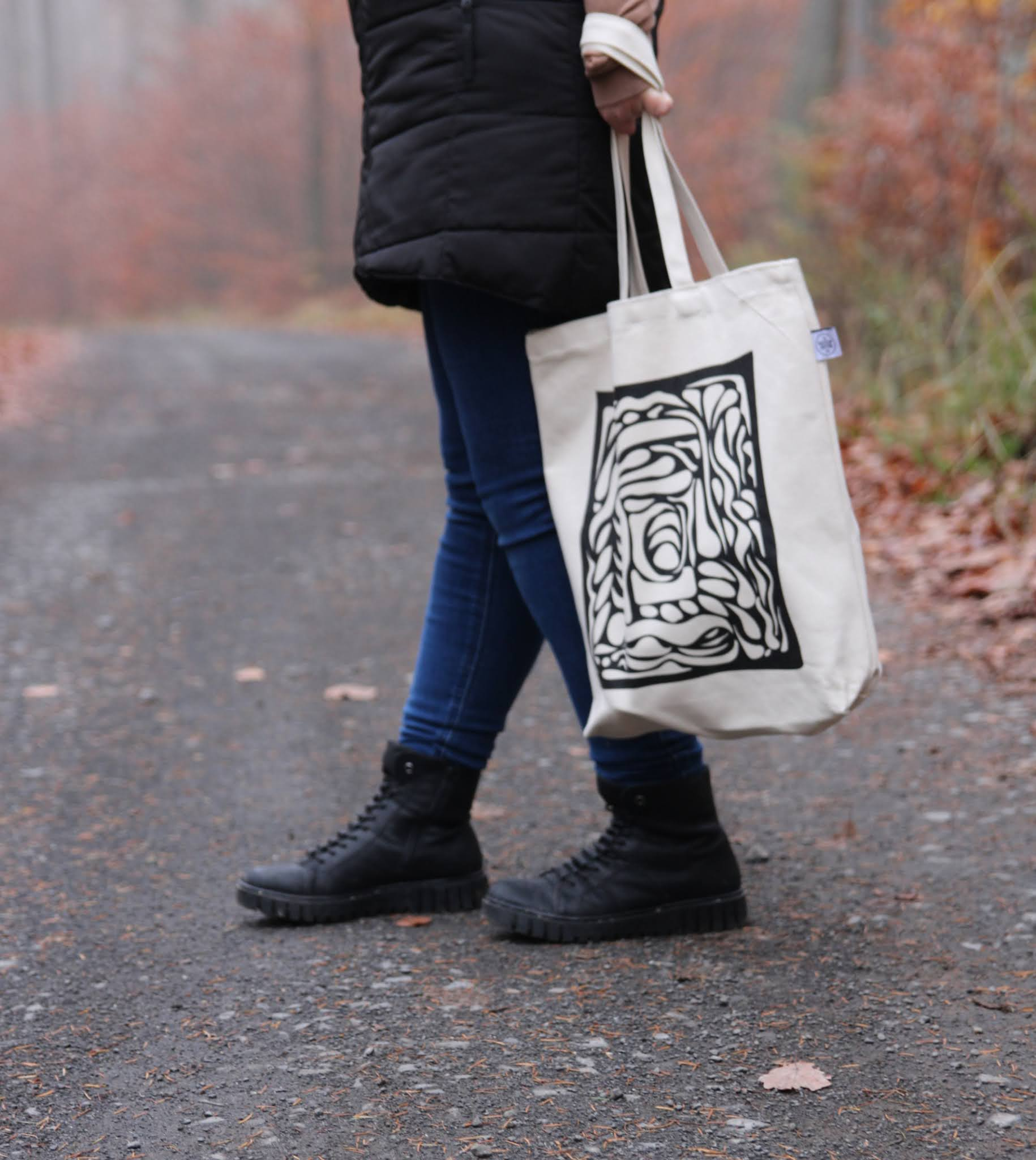 Space Between Tote Bag Desenio
