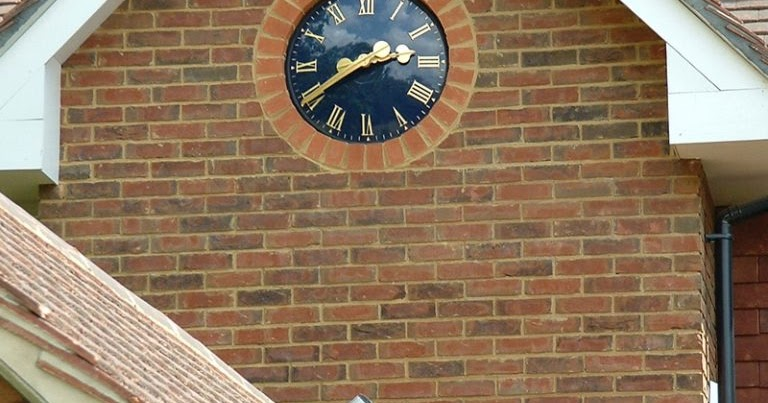 Distinct Advantages You Get By Installing Post Clocks For Outdoors