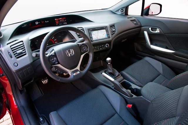 2012 Honda Civic Si interior - Subcompact Culture