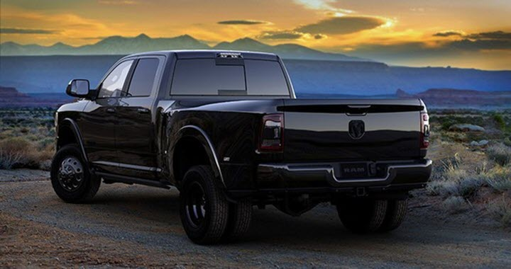 Dodge RAM Heavy Duty 2020 hầm hố với phiên bản 'đen thui'