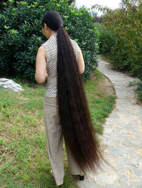 Hair Care And Beauty Tips: Floor Length Long Hair - photo#31