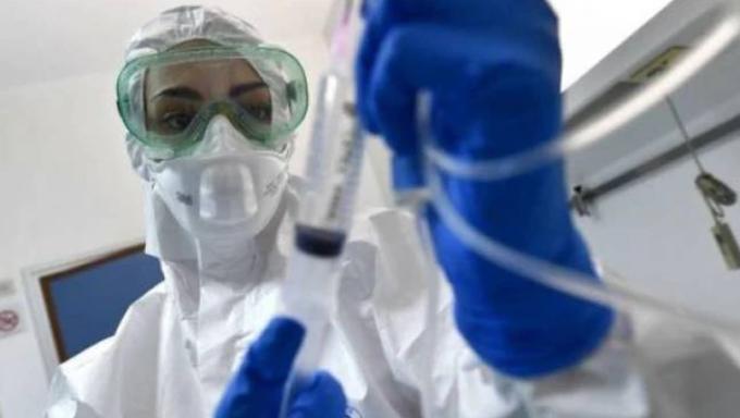 Coronavirus: 17.012 nuovi casi e altri 141 morti. +76 in terapia intensiva
