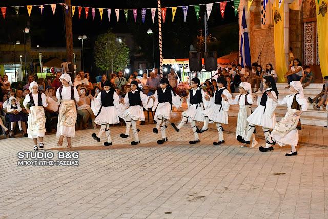 Χορευτική εκδήλωση στην Αγία Τριάδα Μιδέας