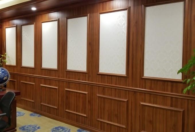 Các Vật liệu ốp tường giá rẻ sang trọng như nhựa giả đá hay nhựa ốp tường giả gỗ Nên Chọn