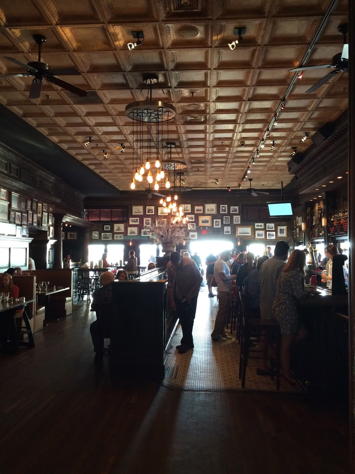 Right On The Water In Port Washington Long Island S Gold Coast There Is A Seafood Restaurant Called Louie Which Has Been For Over 100 Years