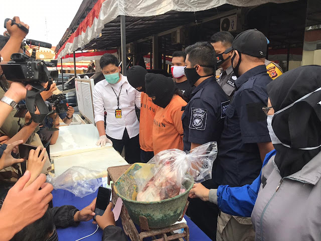 Pasutri Penjual Daging Oplosan Sapi Dan Celeng Untuk Bakso Ditangkap Polisi