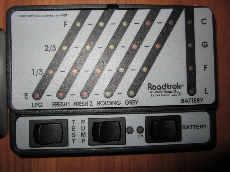 New%2Bfolder_00001 meryl and me hit the road the roadtrek electric system the PJ Trailer Wiring Diagram at soozxer.org