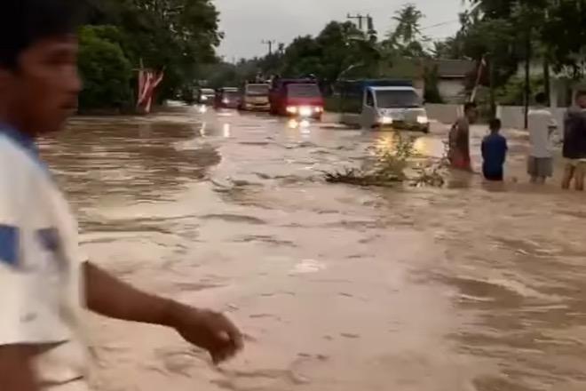Sejumlah Desa di Bone Terendam Banjir, BMKG Keluarkan Peringatan Dini Cuaca Buruk