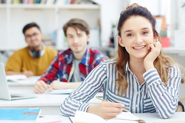 Introduction to Online College English Teaching Jobs