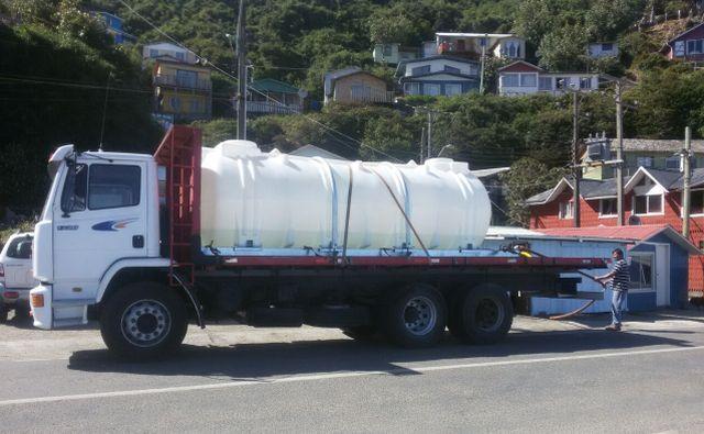 Se restituye entrega en camiones aljibes de agua potable en San Juan de la Costa