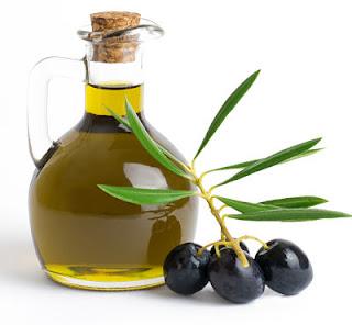 """<img src=""""botella-de-aceite-de-oliva.jpg"""" alt=""""el aceite de oliva es recomendable para una dieta baja en calorías"""">"""