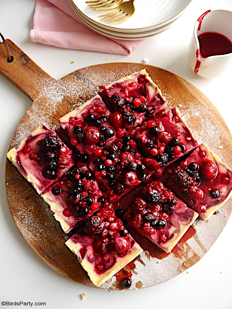 Summer Berries Cheesecake Bars - easy, delicious and quick to make dessert perfect to use fresh or frozen summer berries or any fruit you like! by BirdsParty.com @BirdsParty #cheesecake #recipe #summerberries #summerdessert #frozenfruit #recipes