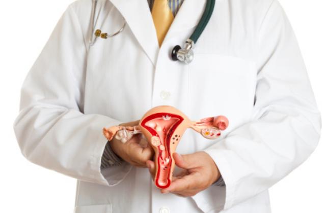 "Gangguan dan Penyakit Urinari dan Organ Reproduksi Manusia Kencing Batu Kencing batu dapat disebabkan oleh kebiasaan menahan buang air kecil atau kurangnya konsumsi air dalam tubuh. Hal itu dapat memicu terbentuknya butiran-butiran senyawa kalsium dan penimbunan asam urat, sehingga terbentuk kalsium karbonat di ginjal dan aliran urian yang menyulitkan pengeluaran urin.  Endometriosis Penyakit ini merupakan gangguan berupa suatu kondisi dimana jaringan endometrium berada di luar uterus, yaitu tumbuh di sekitar ovarium, oviduk, atau jauh di luar uterus, misalnya di paru-paru.  Kanker Rahim Penualit ini sering terjadi di daerah endometrium, yaitu tempat tumbuhnya janin.  Condyloma Condyloma merupakan gangguan pada sistem pencernaan yang berupa tumbuhnya benjolan keras berbungkul seperti bunga kol atau jengger ayam atau sering disebut juga dengan kutil kelamin.  Diabetes Melitus Penyakit ini dapat diakibatkan karena pankreas mengalami kerusakan sehingga tidak mampu memproduksi banyak hormon insulin. Minimnya produksi insulin akan mengganggu proses perombakan glikogen menjadi glukosa dan reaksorpi glukosa dalam glomerulus. Hal ini membuat glukosa terkandung dalam urin. Penyakit ini disebut juga dengan kencing manis.   Nah itu dia bahasan dari gangguan dan penyakit urinari dan organ reproduksi manusia. Melalui bahasan di atas bisa diketahui mengenai gangguan atau penyakit yang ditemui pada urinari dan organ reproduksi manusia. Mungkin hanya itu yang bisa disampaikan di dalam artikel ini, mohon maaf bila terjadi kesalahan di dalam penulisan, dan terimakasih telah membaca artikel ini.""God Bless and Protect Us"""