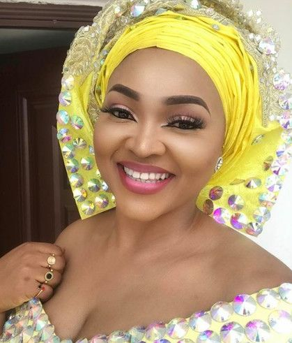 Mercy Aigbe Dazzles Her Fans In A Lovely Yellow Dress