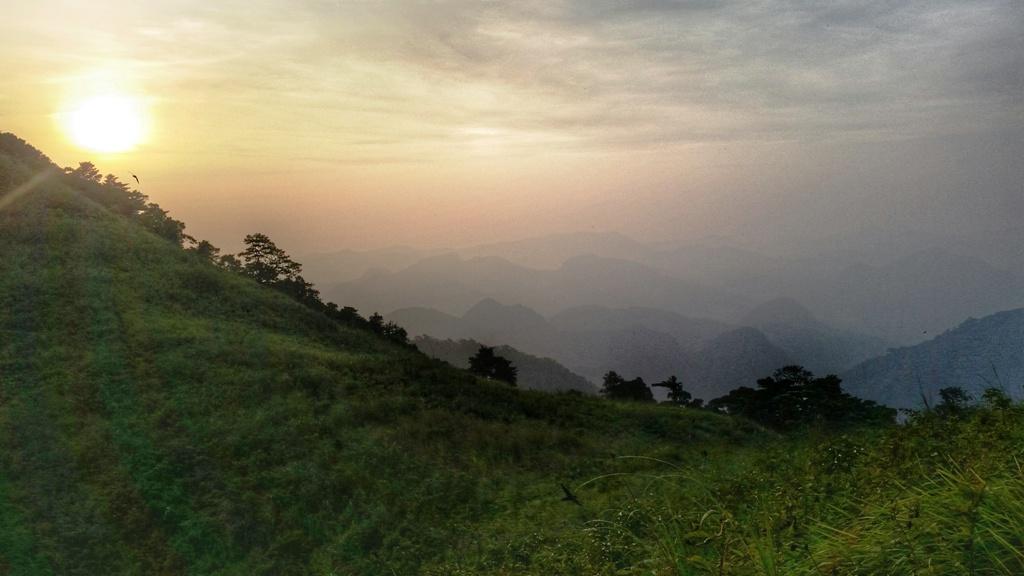 Hiking Log : Sunset at Mt  Apayang ~ JOVIAL WANDERER