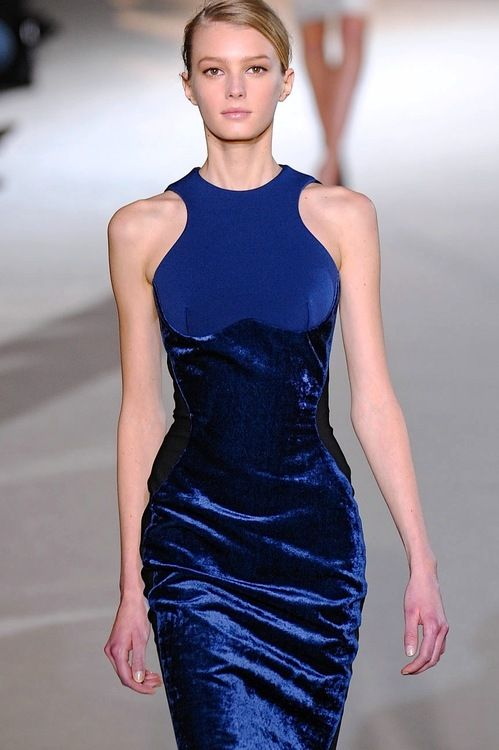 CLASSIC BLUE RUNWAY STYLE