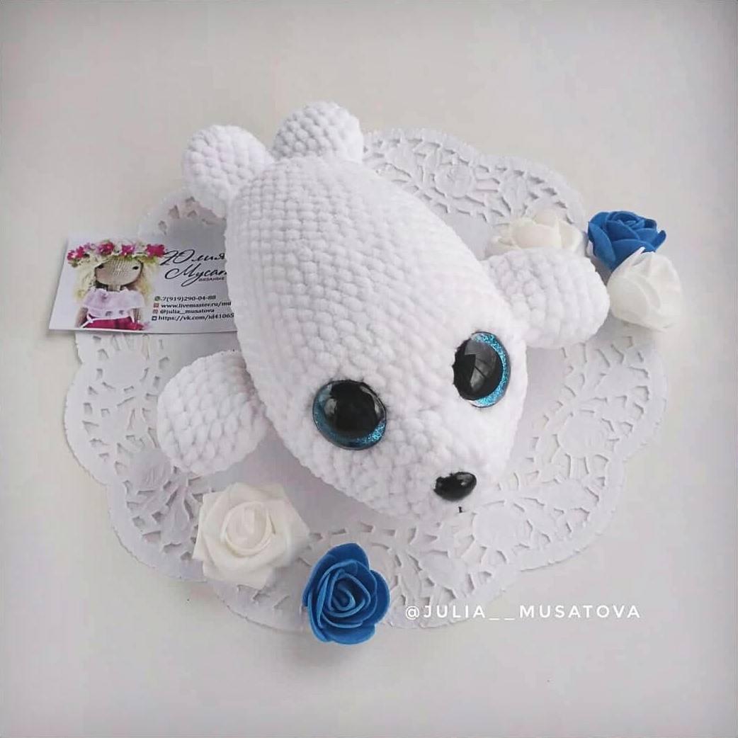 Crochet baby seal amigurumi