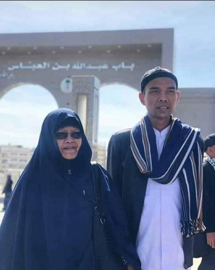 Ibunda Ust Abdul Somad Dikabarkan Meninggal, Begini Fakta Sebenarnya