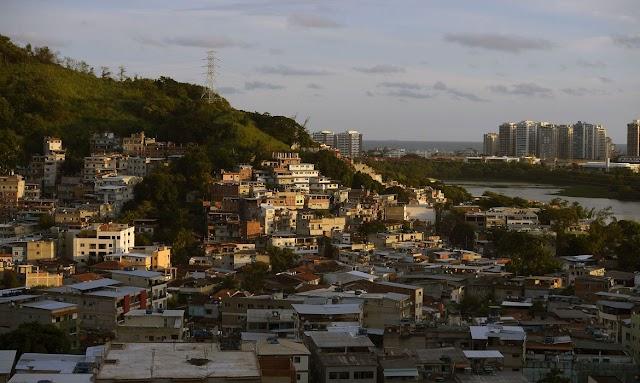 A Polícia carioca prendeu no Rio 12 pessoas envolvidas com milícias